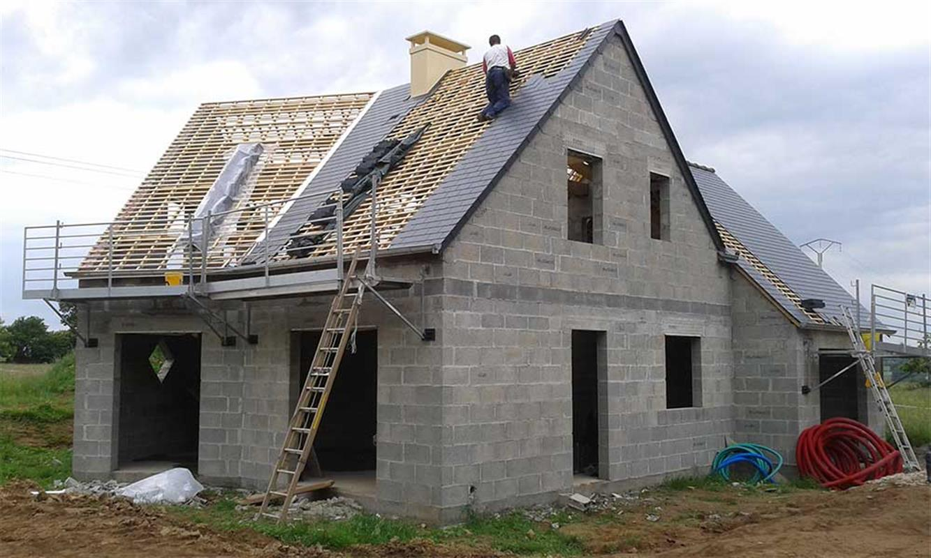 Maison traditionnelle nos chantiers de maisons for Liste construction maison