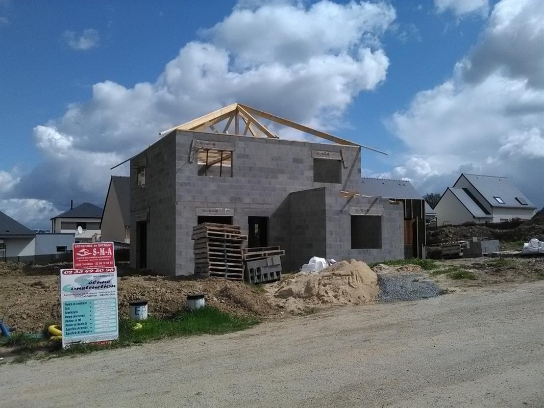 maison tage toit pyramidal nos chantiers de maisons individuelles en bretagne normandie. Black Bedroom Furniture Sets. Home Design Ideas